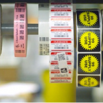 eticheta autoadeziva